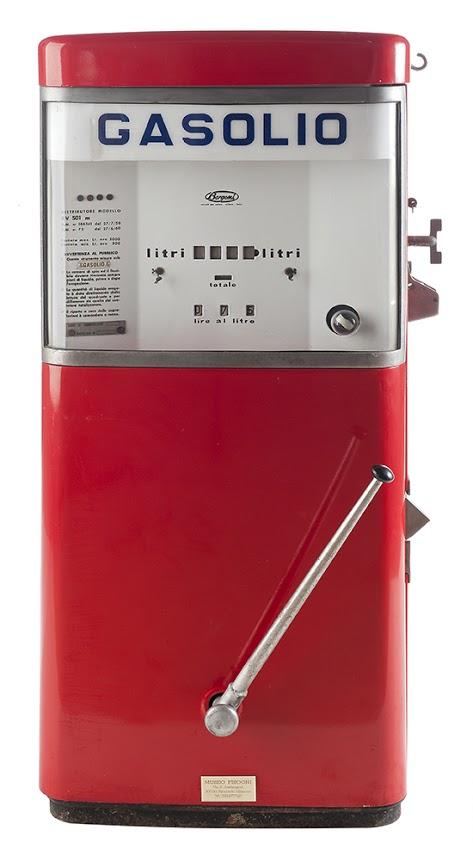 104-bergomi-gasolio-pompa-di-benzina-1950-italia1