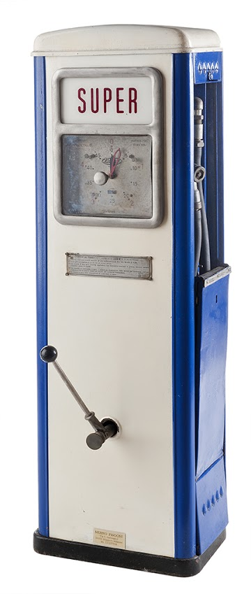108-bergomi-topolino-super-vintage-gas-pumps-19491