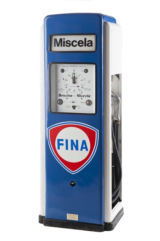 111-bergomi-vintage-petrol-pump-fina-19491