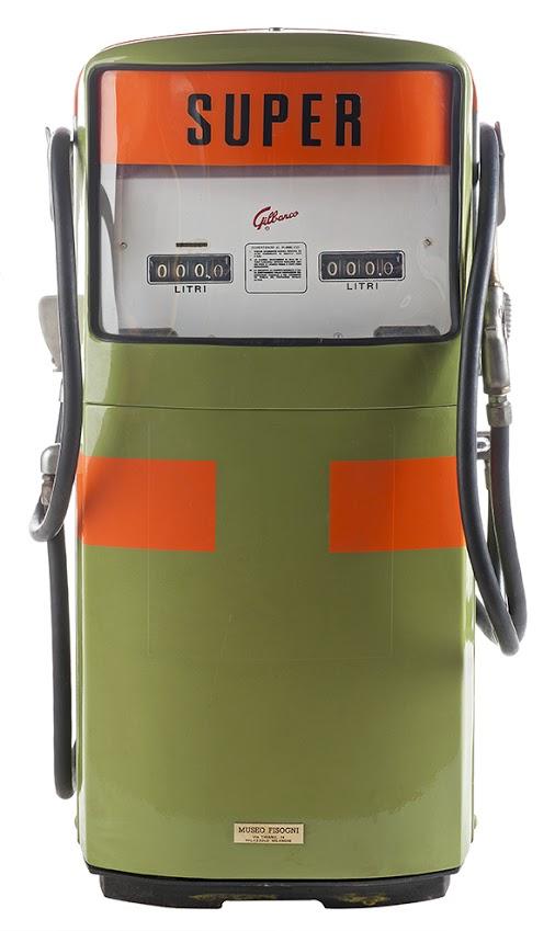 127-gilbarco-double-super-gas-pump-1960-armani1
