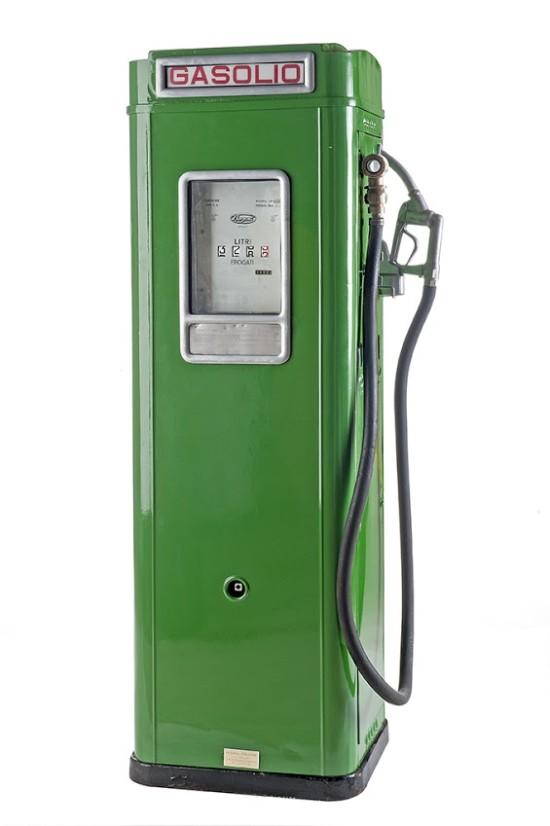133-bergomi-vintage-diesel-pump-19651