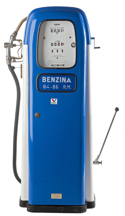 141-benaglia-gasoline-pump-19561