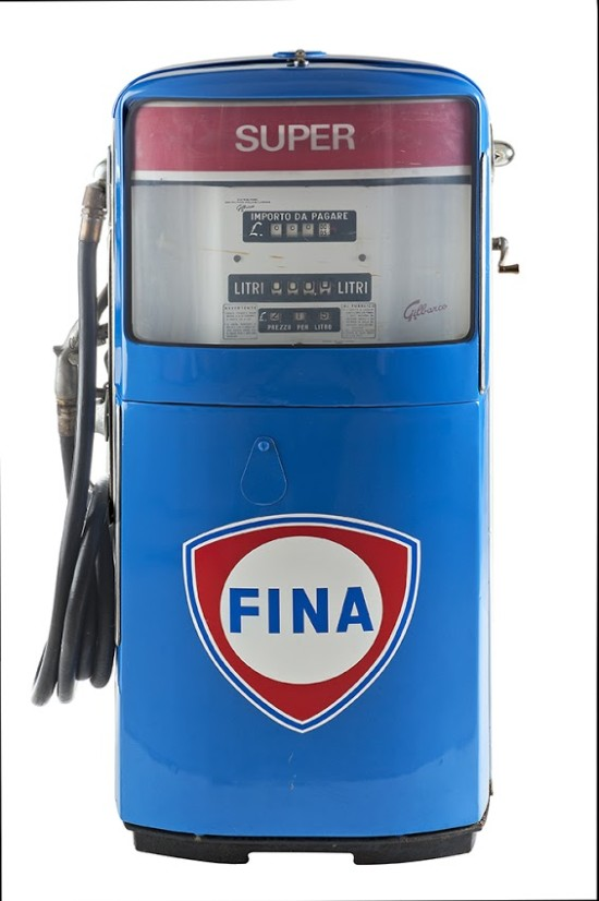 142-gilbarco-petrol-pump-fina-super-19601