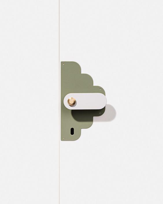 door handle nirvana present correct. Black Bedroom Furniture Sets. Home Design Ideas