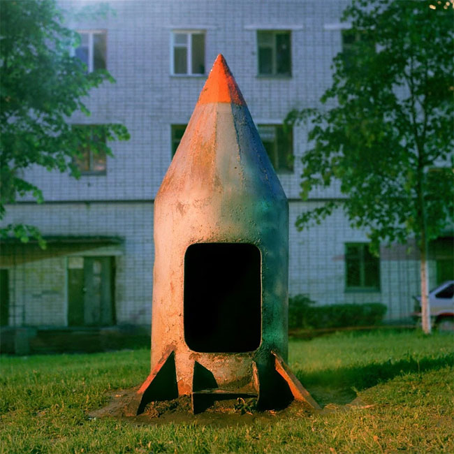 Rockets_from_childhood_playgrounds_03