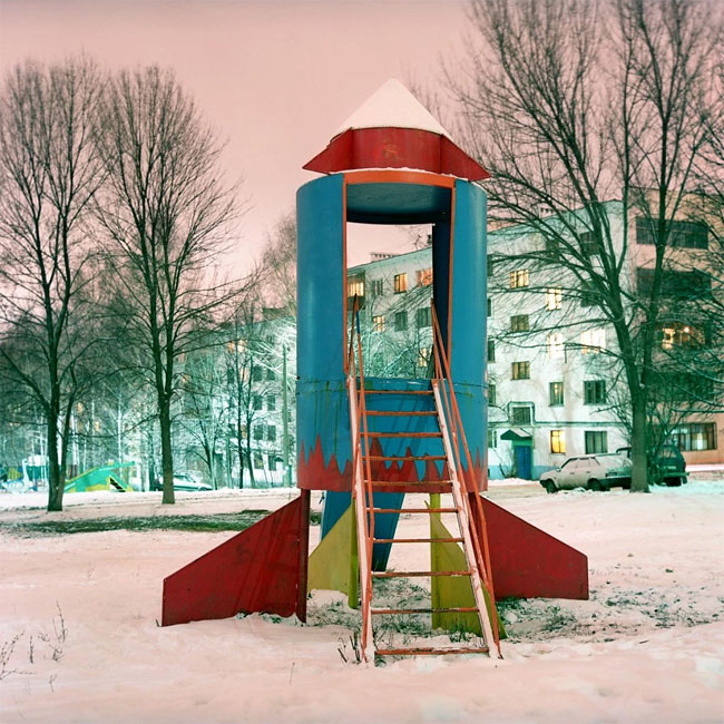 Rockets_from_childhood_playgrounds_05