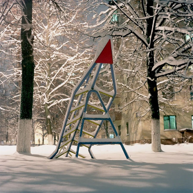 Rockets_from_childhood_playgrounds_09