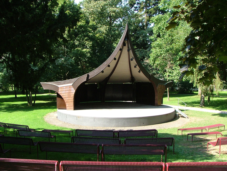 Musikpavillon_-_panoramio_(1)